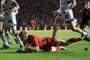 Ashton pide a Toulon que lo libere